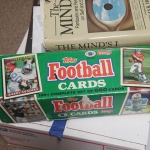 1991 Topps Set of Football Cards